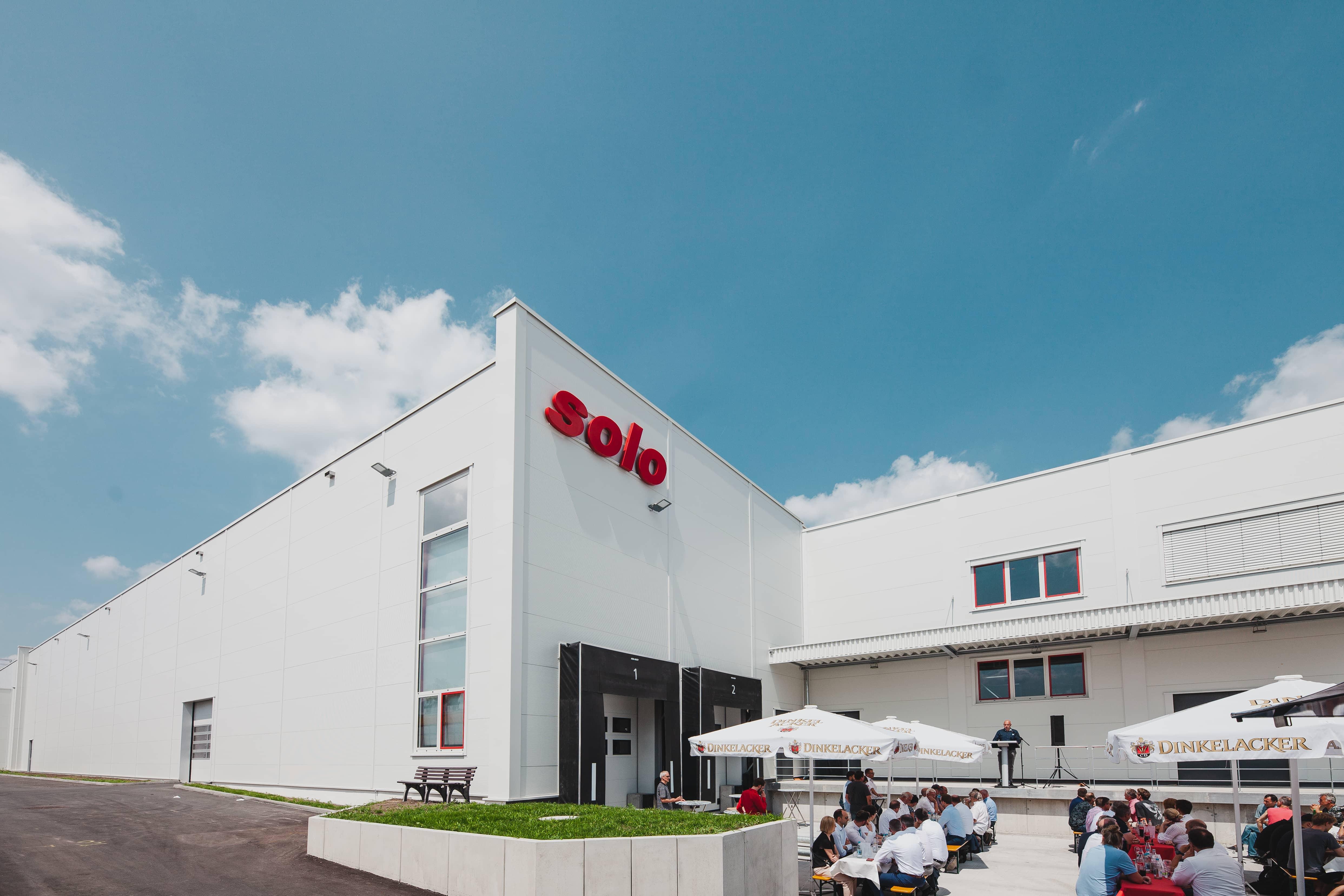 SOLO weiht neues Betriebsgebäude ein